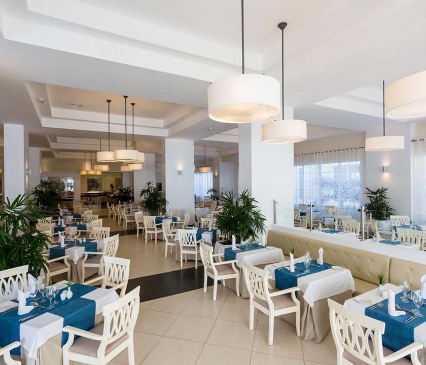 Bahia Principe Luxury Bouganville - étterem (Dominikai utazások)