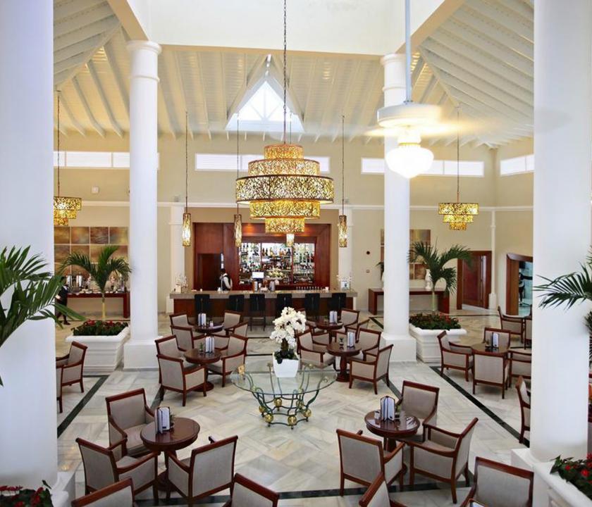 Bahia Principe Luxury Bouganville - bár (Dominikai utazások)