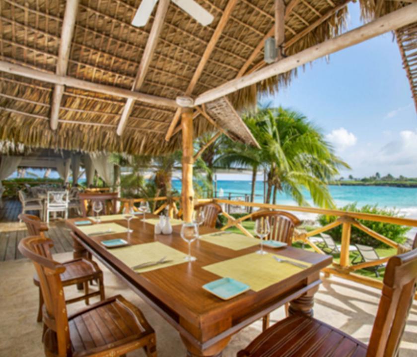 Eden Roc at Cap Cana - étterem a teraszon (Dominikai utazások)