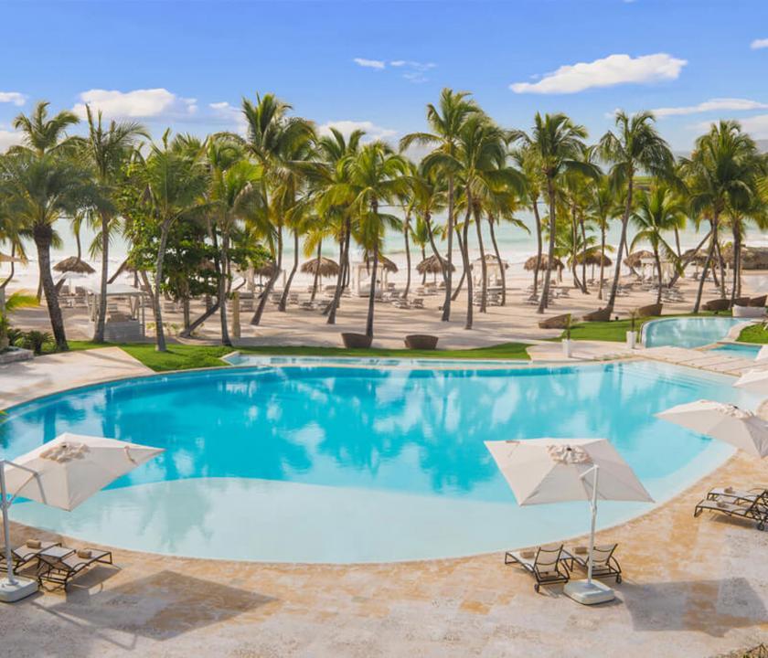 Eden Roc at Cap Cana - medence (Dominikai utazások)
