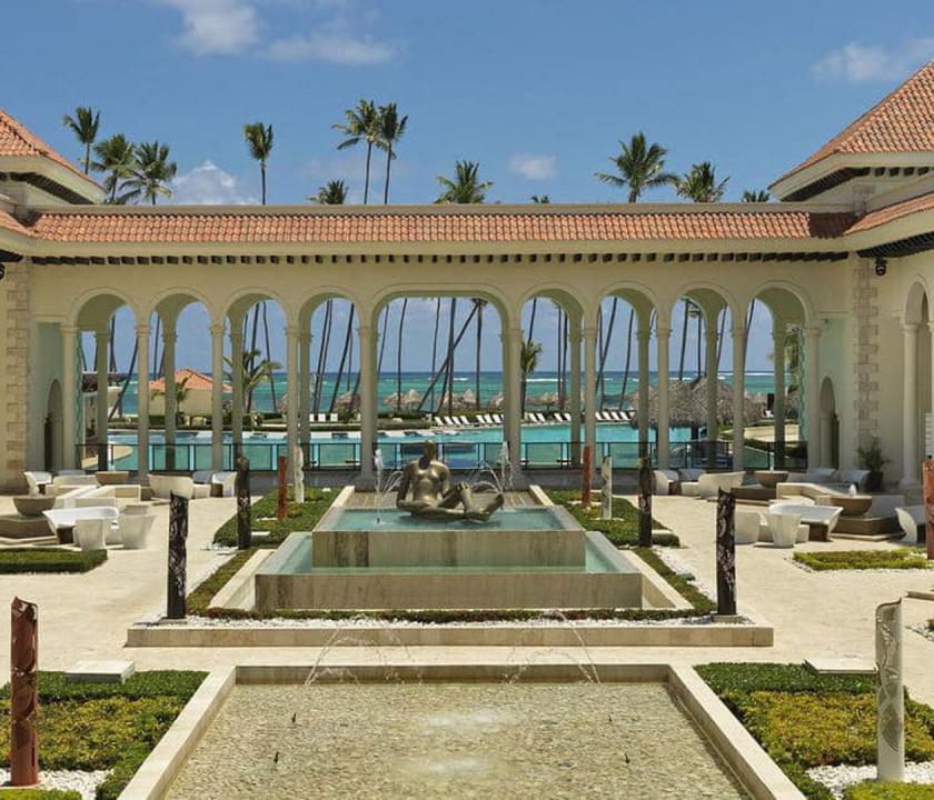 Paradisus Palma Real Golf & Spa Resort - a hotel kivülről (Dominikai utazások)