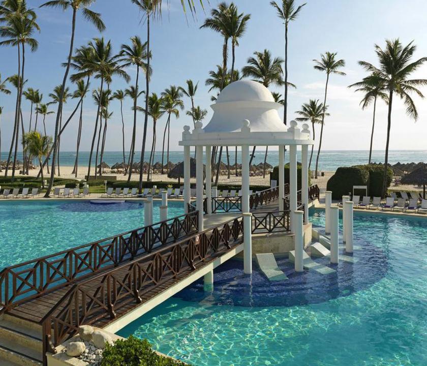 Paradisus Palma Real Golf & Spa Resort - medence (Dominikai utazások)