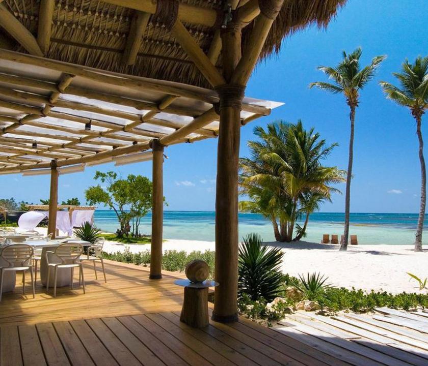 Tortuga Bay Puntacana Resort & Club - étterem a teraszon (Dominikai utazások)