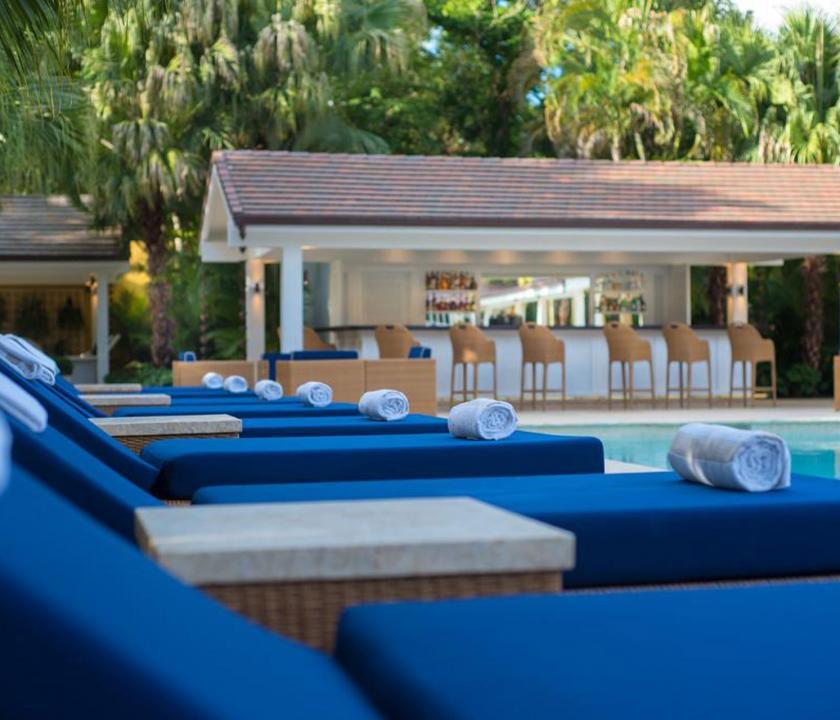 Tortuga Bay Puntacana Resort & Club - pihenés a medence parton (Dominikai utazások)