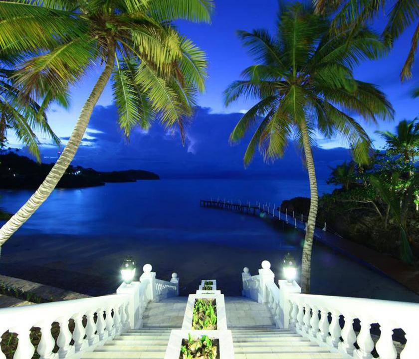 Luxury Bahia Principe Samana - a part este (Dominikai utazások)