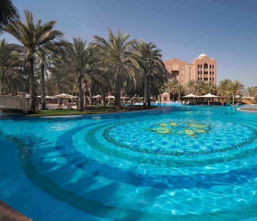 Emirates Palace - medence (Dubai utazások)
