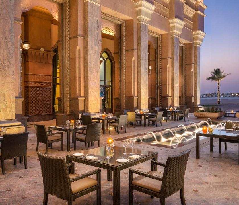 Emirates Palace - Mezzaluna étterem (Dubai utazások)