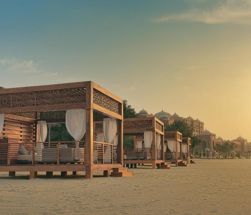 Emirates Palace - tengerparti pihenőkabinok (Dubai utazások)