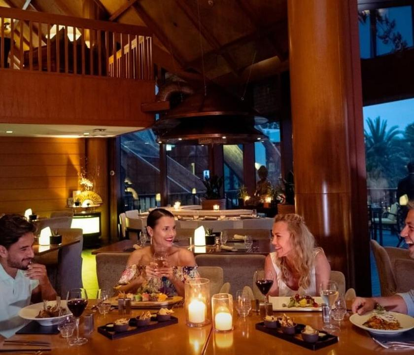 JA Beach Hotel - White Orchid étterem (Dubai utazások)