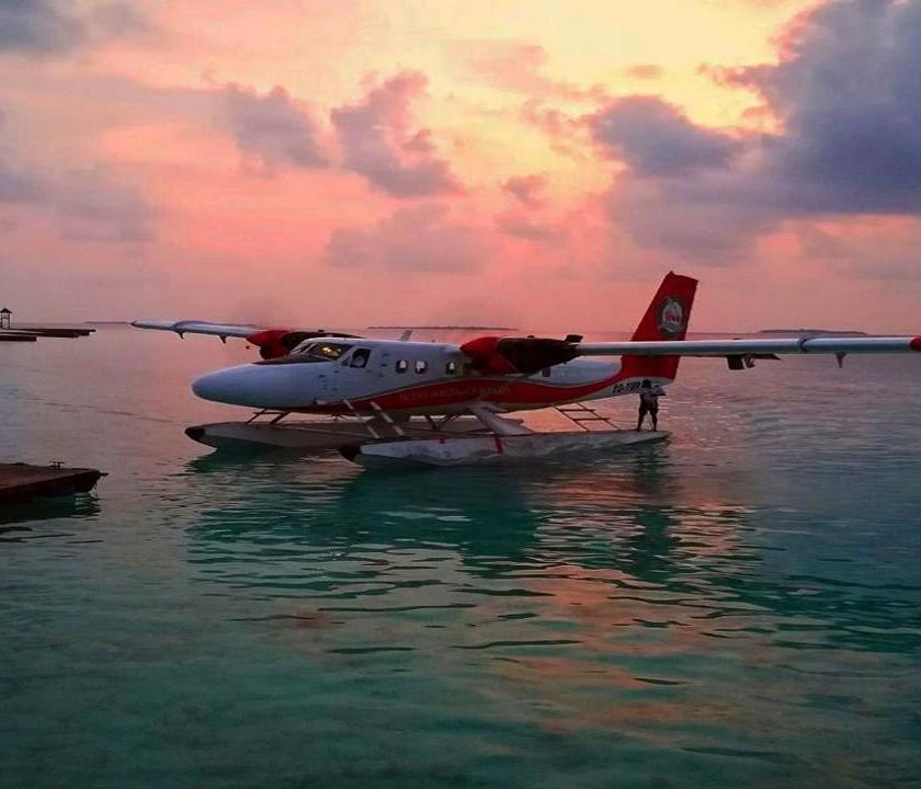 ADAARAN Prestige Water Villas (Maldív-szigeteki utazások)
