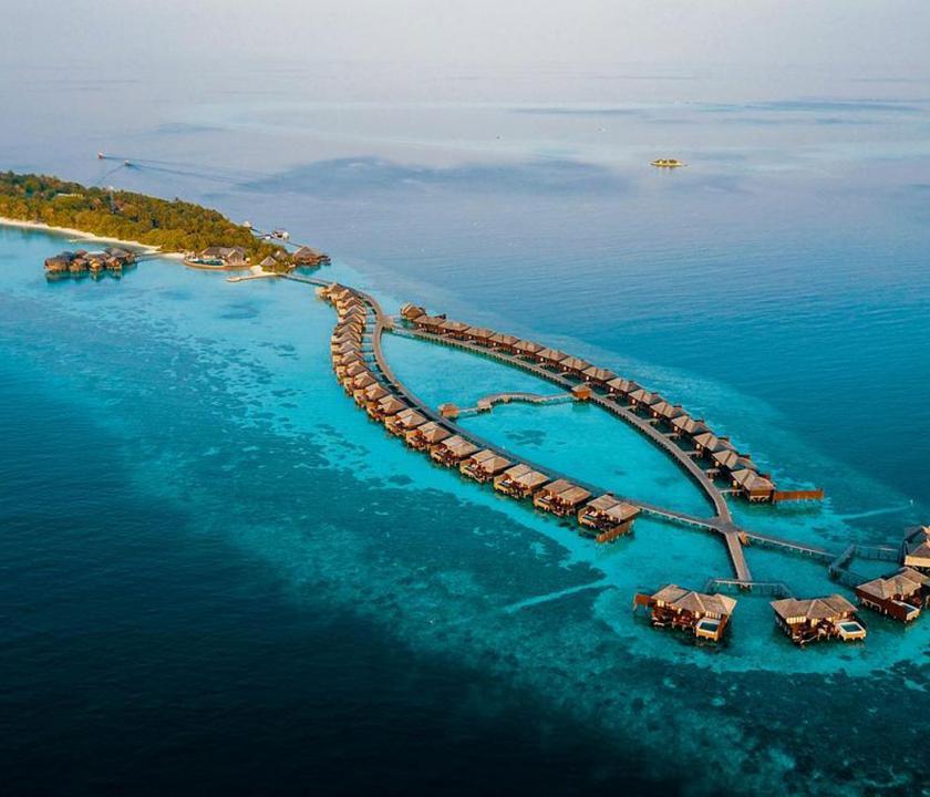 Lily Beach Resort & Spa - a sziget felülről (Maldív-szigeteki utazások)