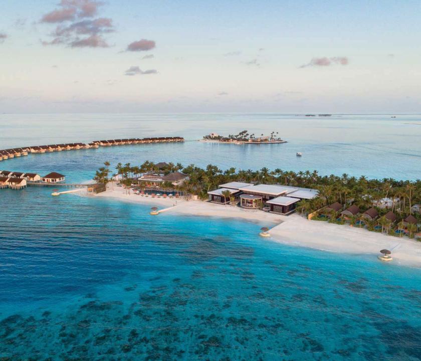 OBLU SELECT at Sangeli by Atmosphere - a hotel felülről (Maldív-szigeteki utazások)