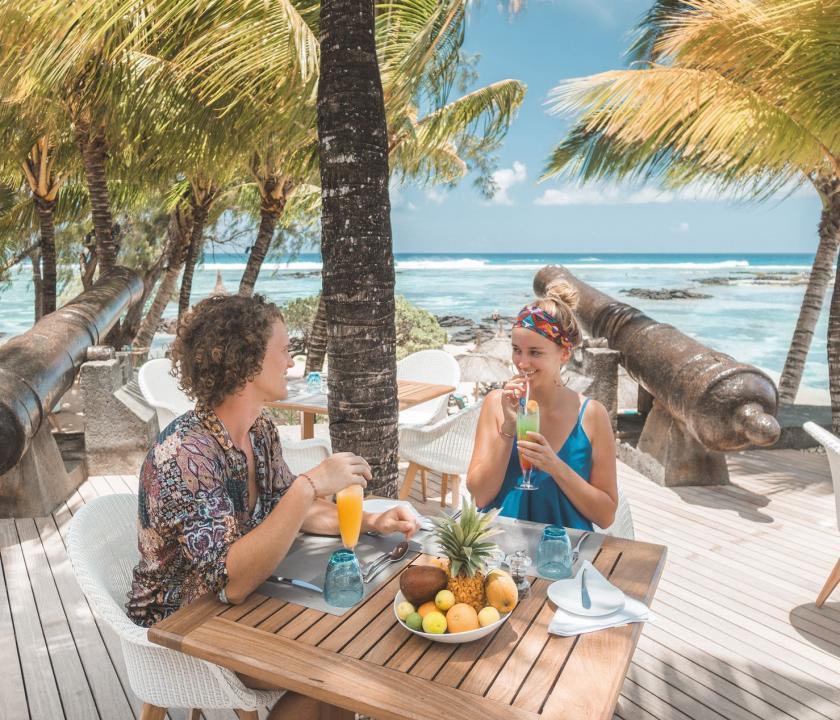 Canonnier Beachcomber Golf Resort & Spa - étterem a teraszon (Mauritiusi utazások)