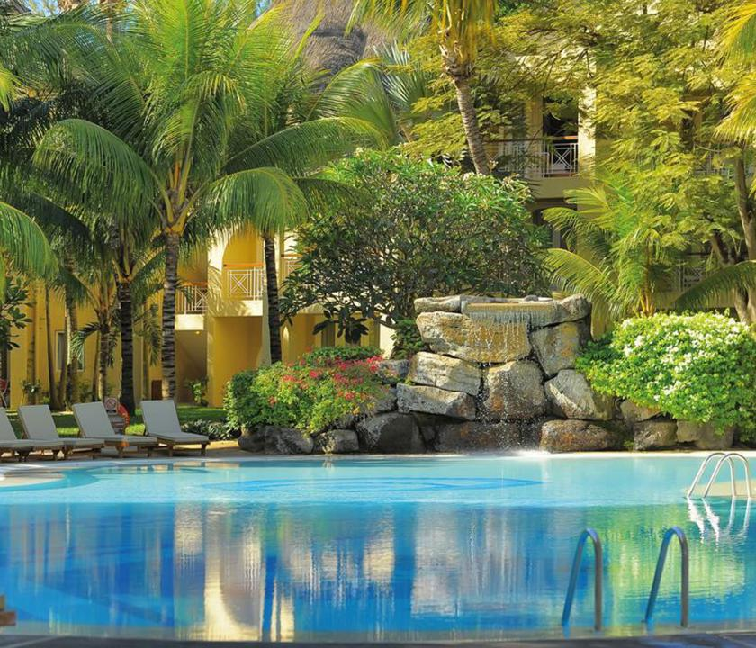 Canonnier Beachcomber Golf Resort & Spa - medence (Mauritiusi utazások)