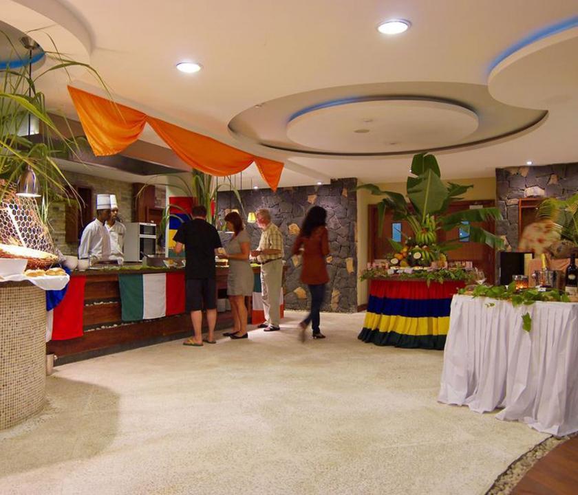 Laguna Beach Hotel & Spa - étterem (Mauritiusi utazások)