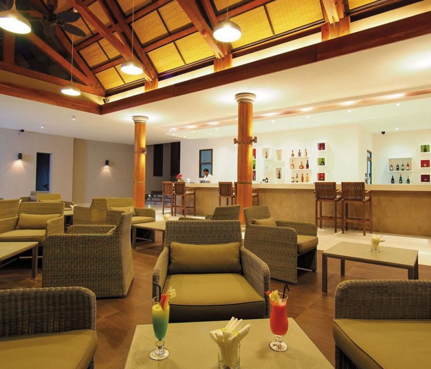 Maritim Crystals Beach Hotel - bár (Mauritiusi utazások)