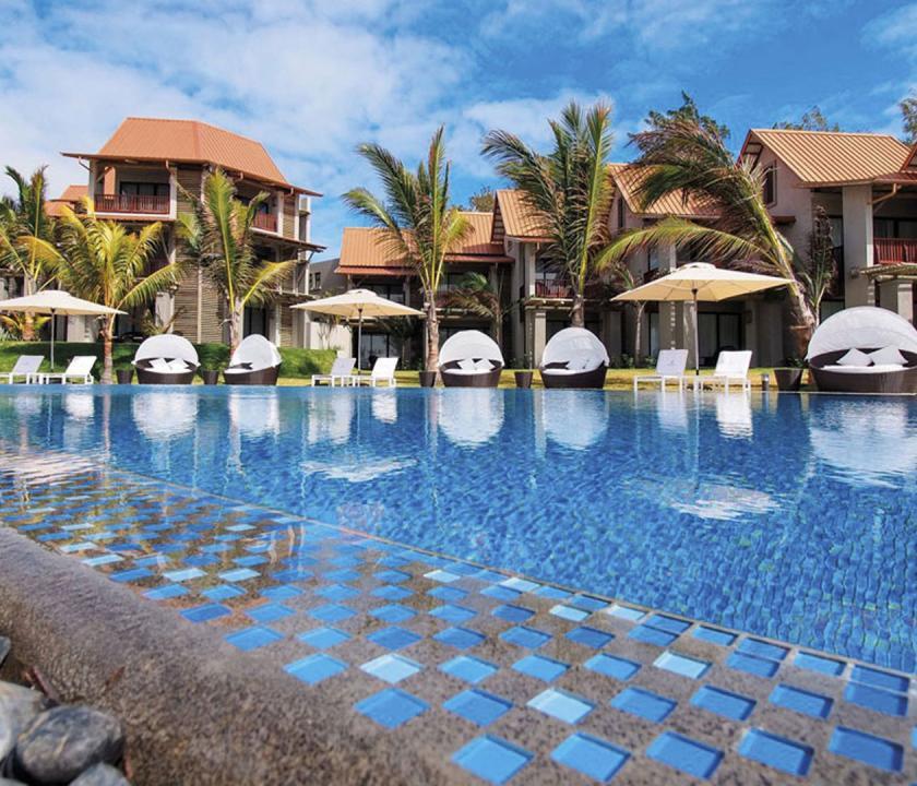 Maritim Crystals Beach Hotel - medence (Mauritiusi utazások)