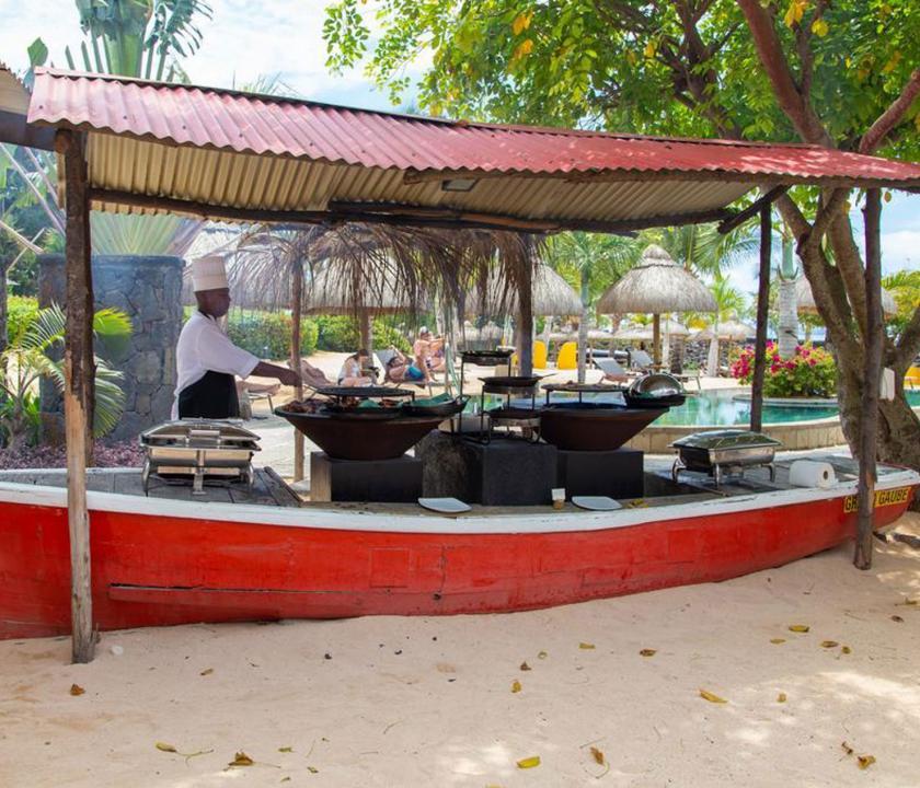 Zilwa Attitude - étterem a parton (Mauritiusi utazások)