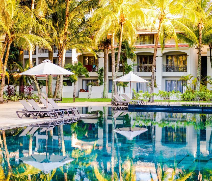 Mauricia Beachcomber Resort & Spa - medence (Mauritiusi utazások)