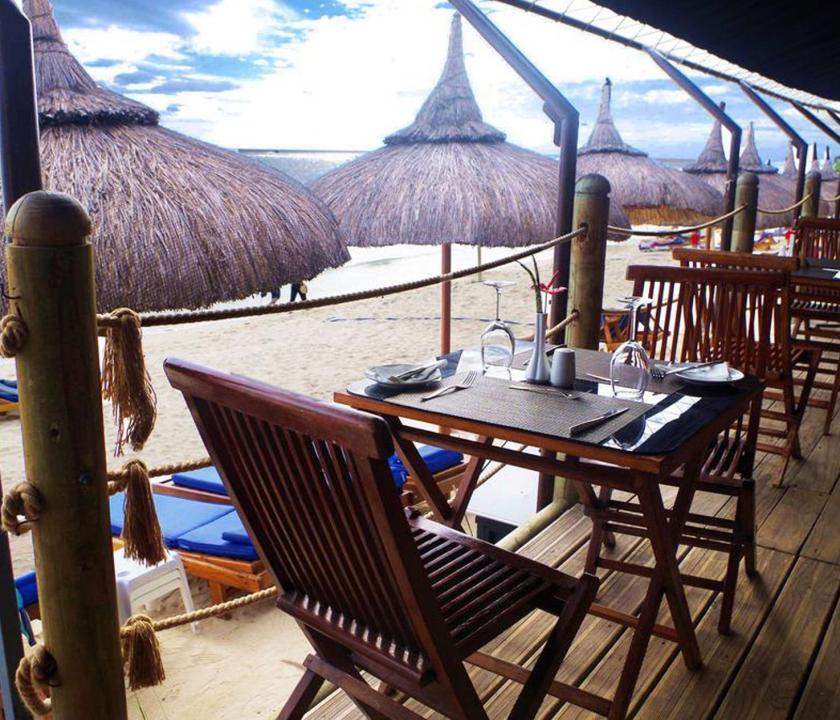 Pearle Beach Resort & Spa - étterem a teraszon (Mauritiusi utazások)
