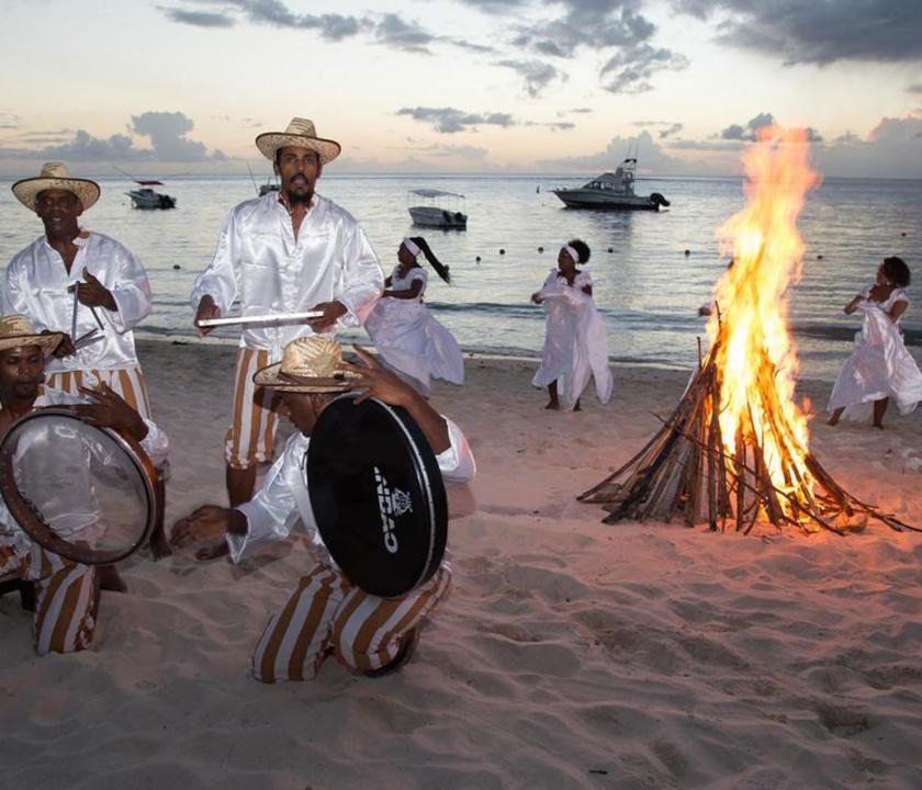 Pearle Beach Resort & Spa - szórakozás a parton (Mauritiusi utazások)