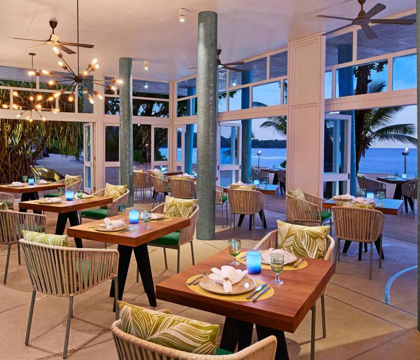 Avani Seychelles Barbarons Resort & Spa - étterem (Seychelle szigeteki utazások)