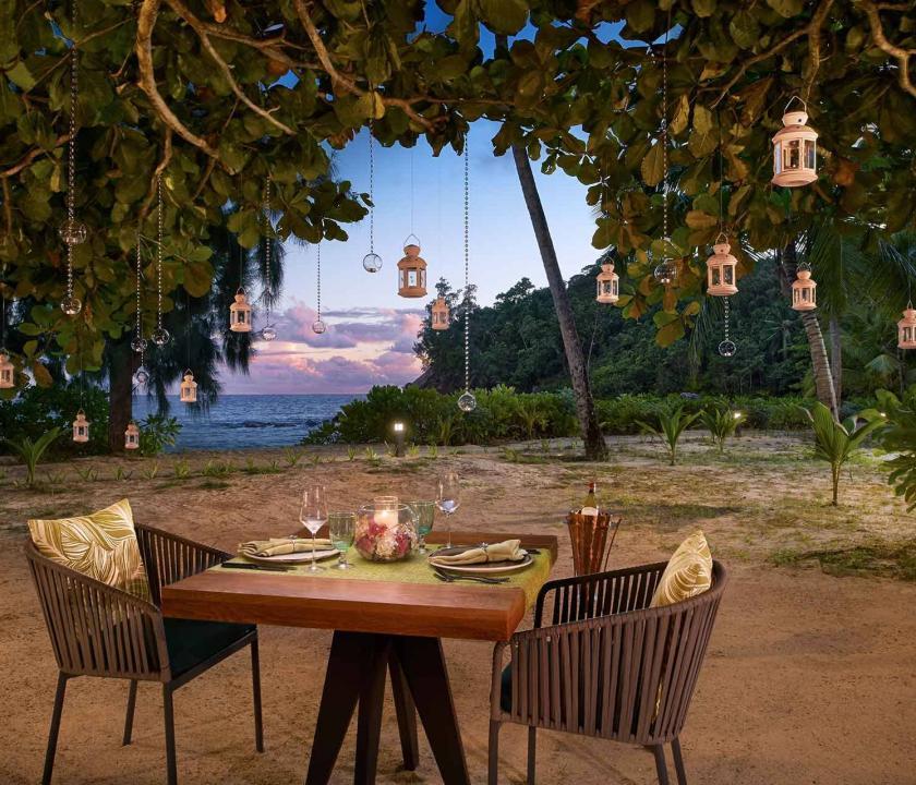 Avani Seychelles Barbarons Resort & Spa - romantikus privát vacsora (Seychelle szigeteki utazások)