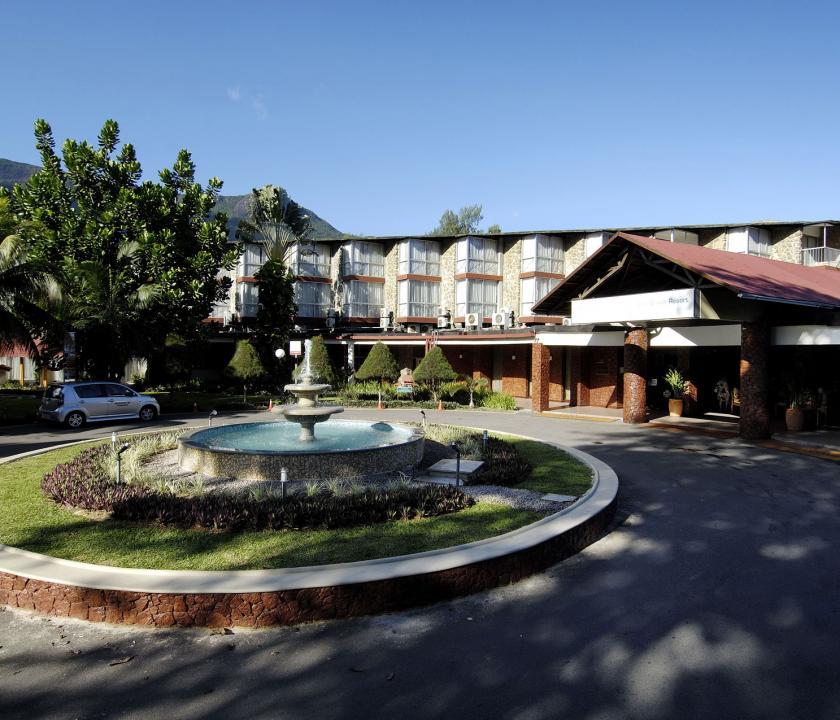 Berjaya Beau Vallon Bay Resort & Casino - bejárat (Seychelle szigeteki utazások)