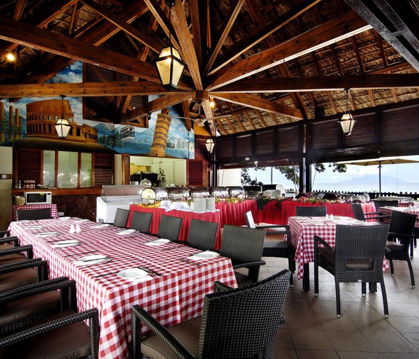 Berjaya Beau Vallon Bay Resort & Casino - étterem (Seychelle szigeteki utazások)