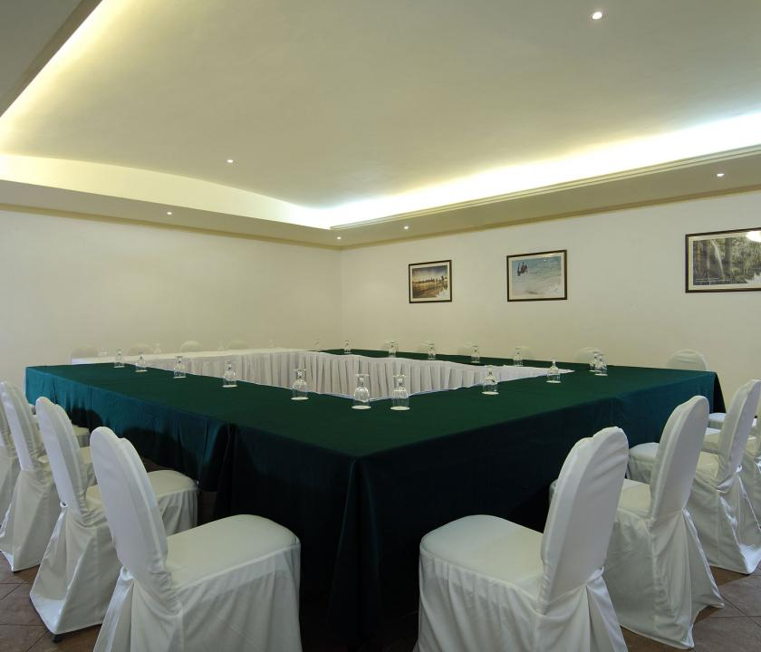 Berjaya Beau Vallon Bay Resort & Casino - tárgyaló (Seychelle szigeteki utazások)