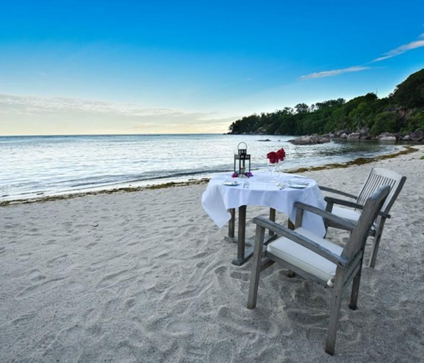 Crown Beach - romantikus privát vacsora (Seychelle szigeteki utazások)