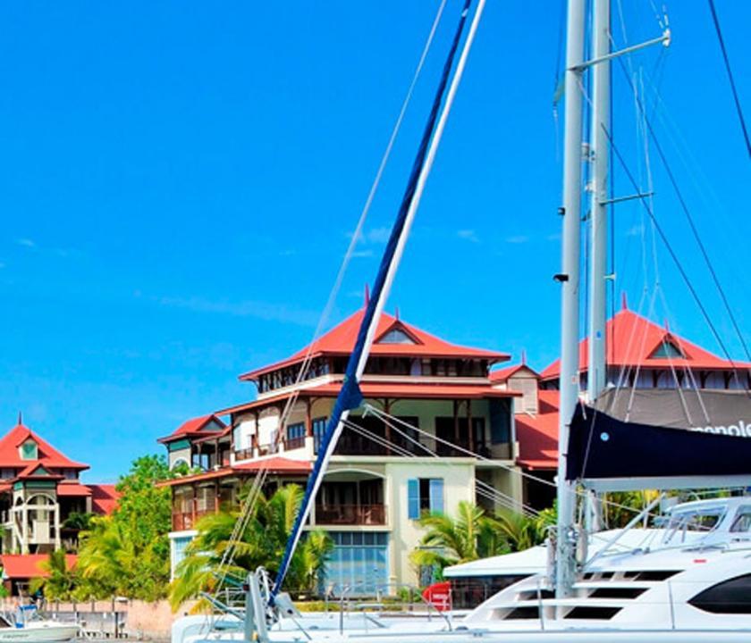 Savoy Resort & Spa - kikötő (Seychelle szigeteki utazások)
