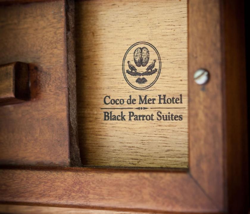 Coco de Mer Hotel & Black Parrot Suites - hotel dekoráció (Seychelle szigeteki utazások)