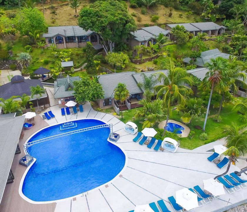 Coco de Mer Hotel & Black Parrot Suites - a hotel felülről (Seychelle szigeteki utazások)