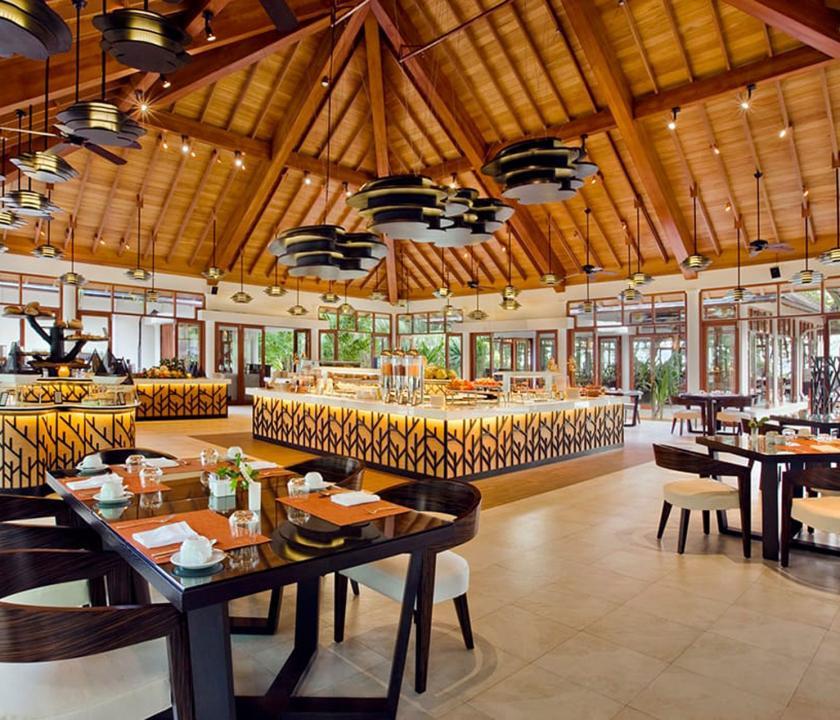 Hilton Seychelles Labriz Resort & Spa - étterem (Seychelle szigeteki utazások)