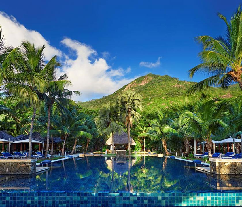 Hilton Seychelles Labriz Resort & Spa - medence (Seychelle szigeteki utazások)