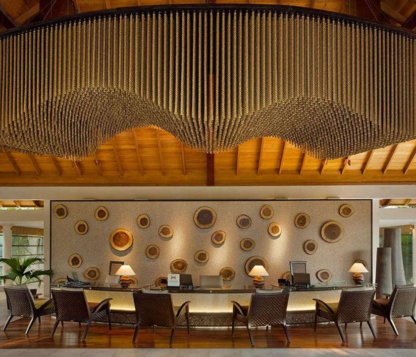 Hilton Seychelles Labriz Resort & Spa - recepció (Seychelle szigeteki utazások)