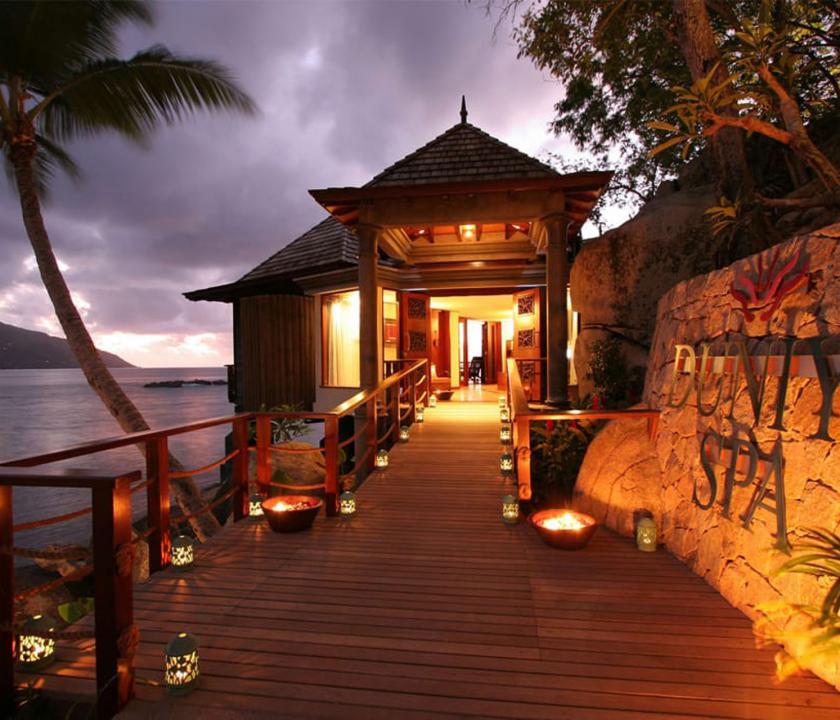 Hilton Seychelles Labriz Resort & Spa - spa bejárata (Seychelle szigeteki utazások)