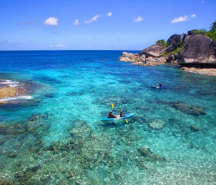 Six Senses Zil Pasyon Hotel - kajakozás (Seychelle szigeteki utazások)