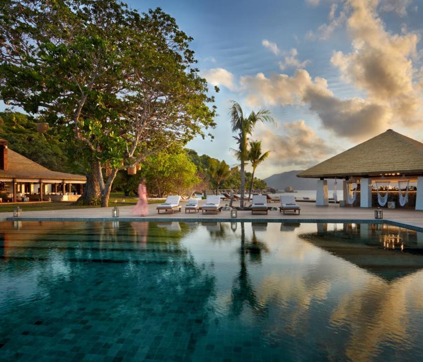 Six Senses Zil Pasyon Hotel - medence (Seychelle szigeteki utazások)