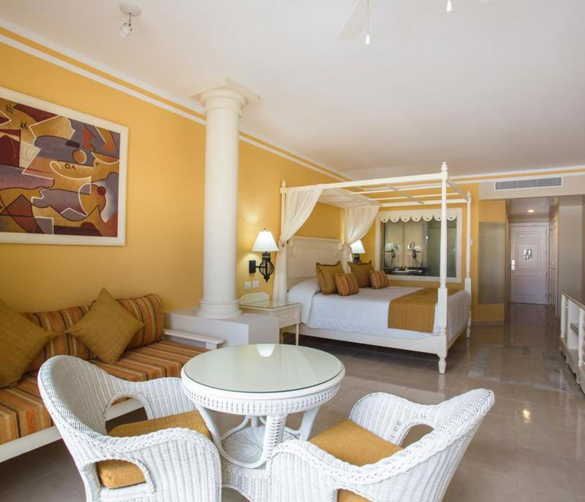 Bahia Principe Luxury Bouganville / Deluxe Junior suite Pool side (Dominikai utazások)