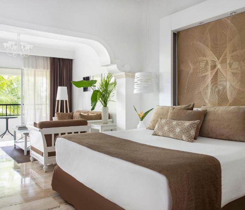 Paradisus Palma Real Golf & Spa Resort / Royal Service Garden View with Whirlpool Suite (KIR) (Dominikai utazások)
