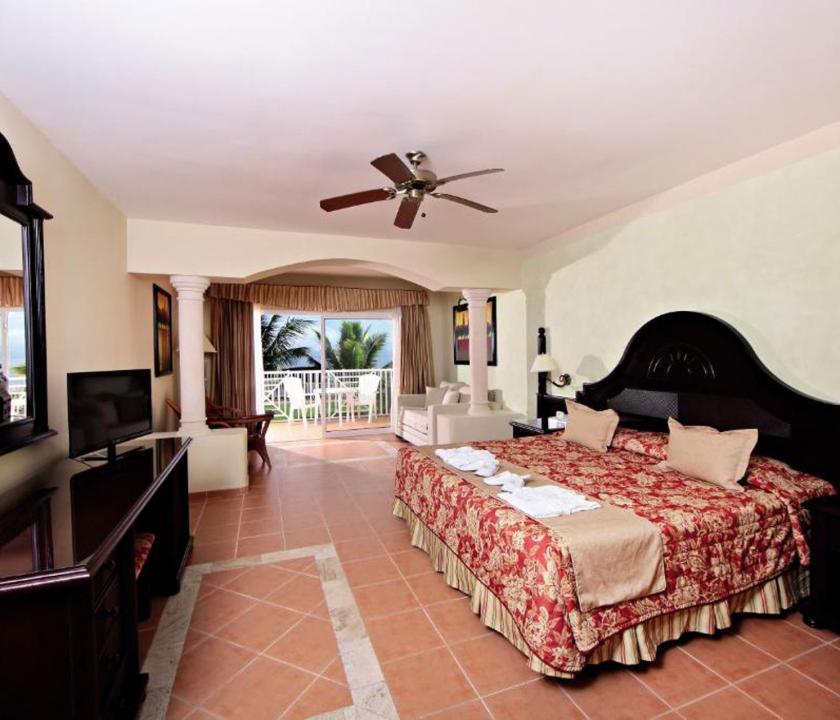 Grand Bahia Principe Cayacoa / Superior Junior Suite (Dominikai utazások)