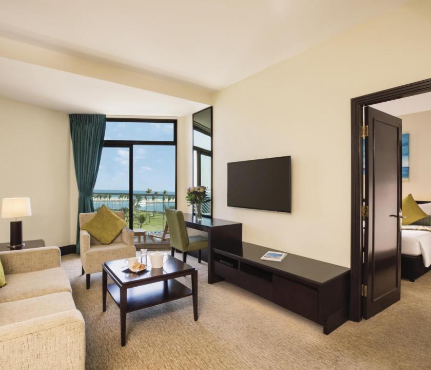 JA Beach Hotel / One bedroom family suite (Dubai utazások)