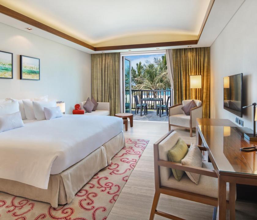 JA Palm Tree Court Hotel / Seaview junior suite (Dubai utazások)