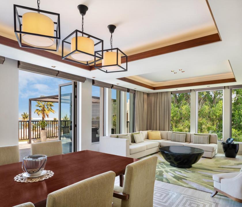 JA Palm Tree Court Hotel / Seaview residence two bedroom suite (Dubai utazások)