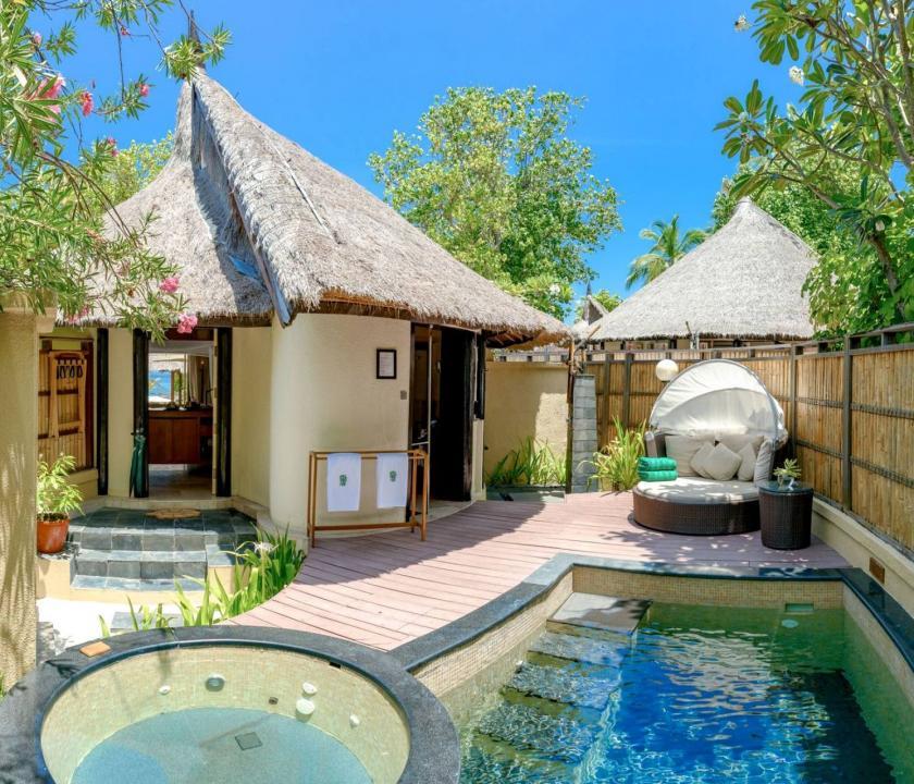 Banyan Tree Vabbinfaru / Beachfront Pool Villa (Maldív-szigeteki utazások)
