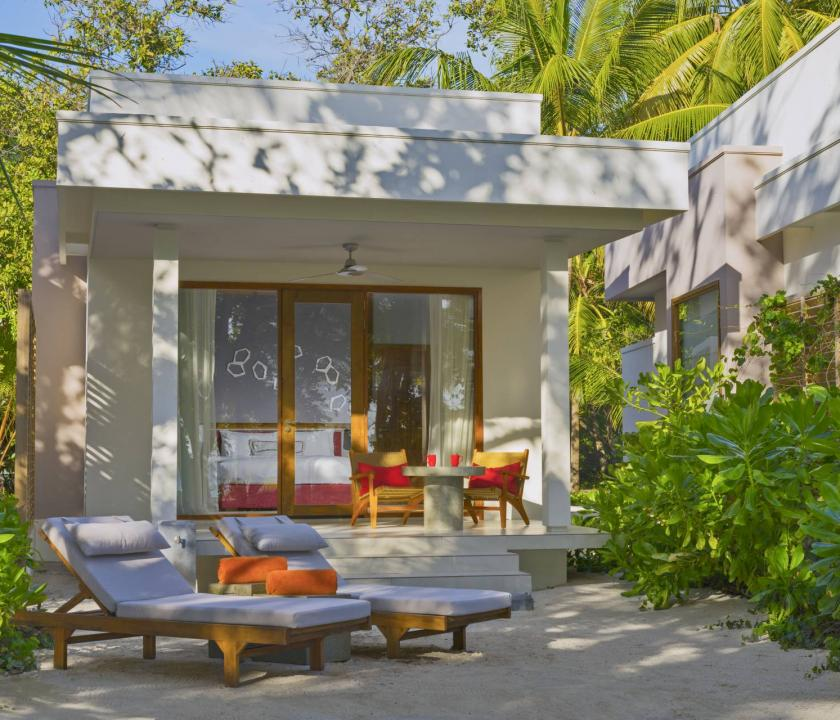 Dhigali Maldives / Beach Bungalow (Maldív-szigeteki utazások)