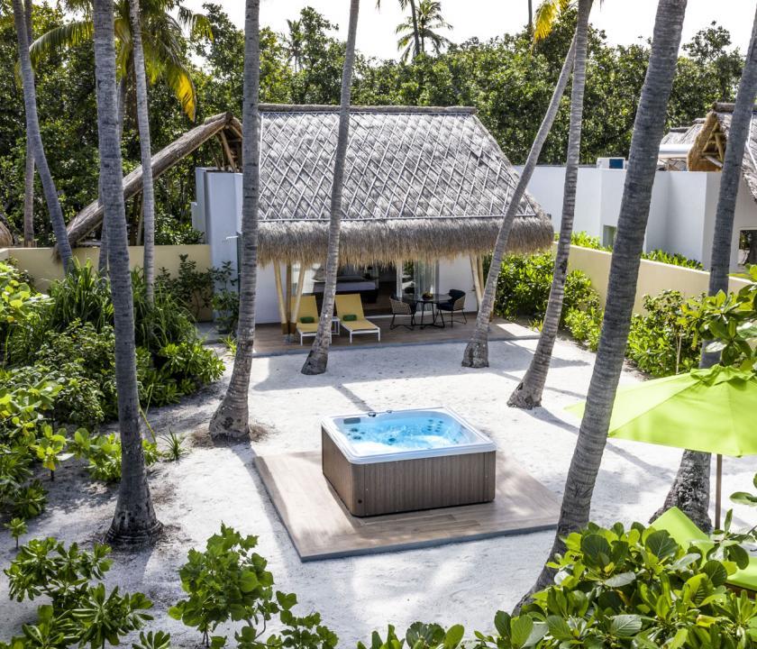 Emerald Maldives Resort & Spa / Jacuzzi Beach Villa (Maldív-szigeteki utazások)