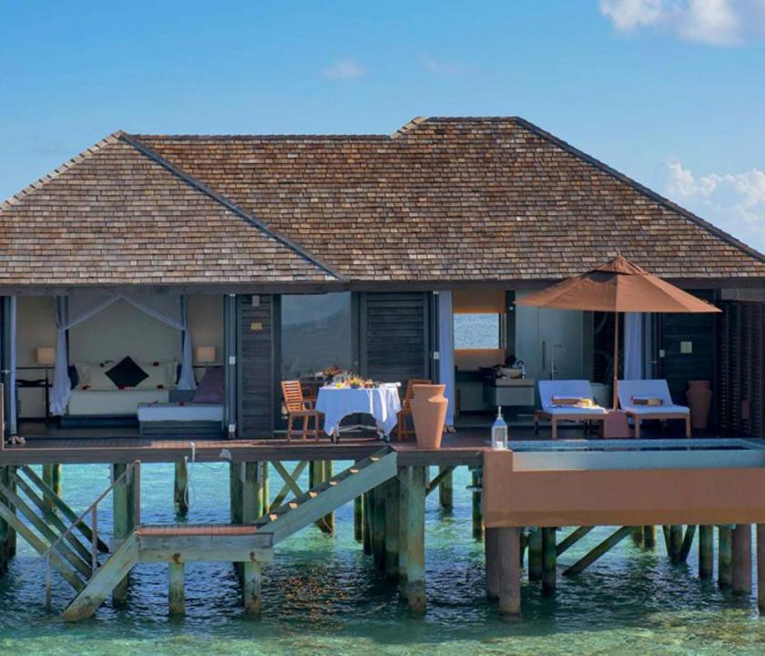 Lily Beach Resort & Spa / Deluxe Water Villa (Maldív-szigeteki utazások)